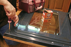 January Deep Cleaning Checklist--keep your home extra clean clean oven glass